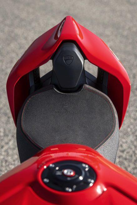 2020-Ducati-Panigale-V4-S-40