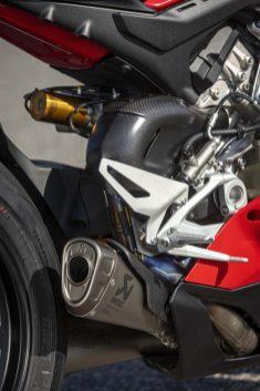 2020-Ducati-Panigale-V4-S-43