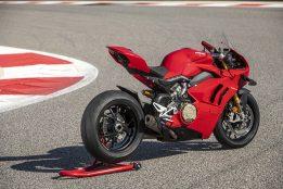 2020-Ducati-Panigale-V4-S-44
