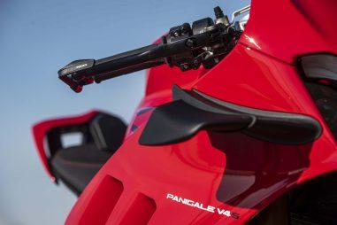 2020-Ducati-Panigale-V4-S-46
