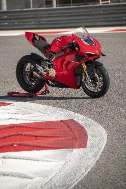 2020-Ducati-Panigale-V4-S-48