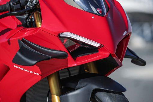 2020-Ducati-Panigale-V4-S-72