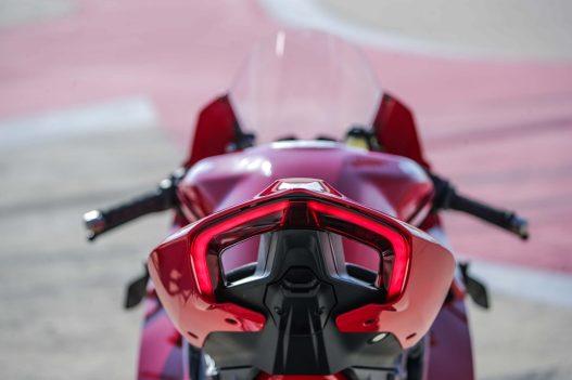 2020-Ducati-Panigale-V4-S-82