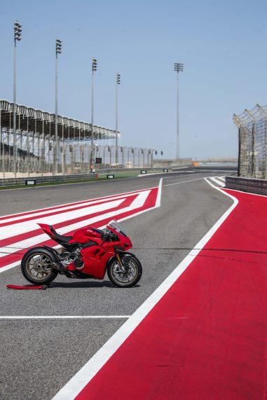 2020-Ducati-Panigale-V4-S-95