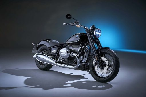 2020-BMW-R18-studio-06