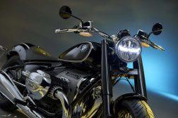 2020-BMW-R18-studio-09
