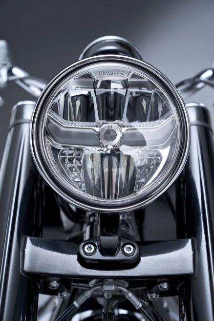 2020-BMW-R18-studio-37