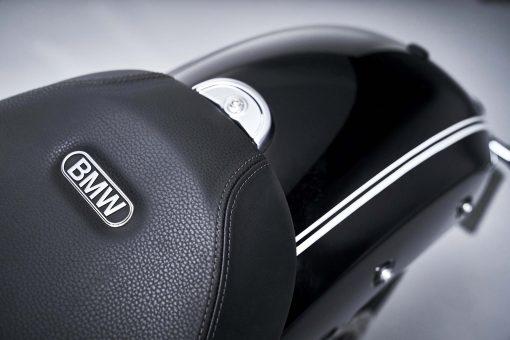 2020-BMW-R18-studio-52