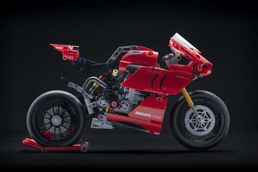 Ducati-Panigale-V4-R-Lego-model-03