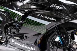 Kawasaki-Ninja-ZX-25R-carbon-fiber-race-bike-17