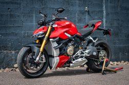 2020-Ducati-Streetfighter-V4-S-Jensen-Beeler-02