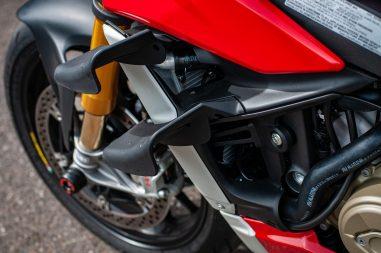 2020-Ducati-Streetfighter-V4-S-Jensen-Beeler-07