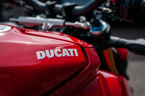 2020-Ducati-Streetfighter-V4-S-Jensen-Beeler-30