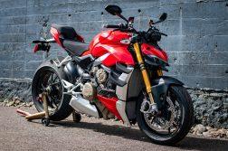 2020-Ducati-Streetfighter-V4-S-Jensen-Beeler-34