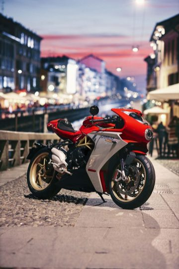 2020-MV-Agusta-Superveloce-800-red-04