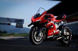 2020-Ducati-Superleggera-V4-10