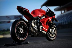 2020-Ducati-Superleggera-V4-13