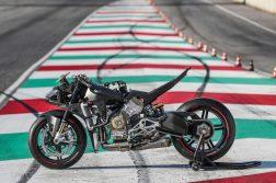 2020-Ducati-Superleggera-V4-31