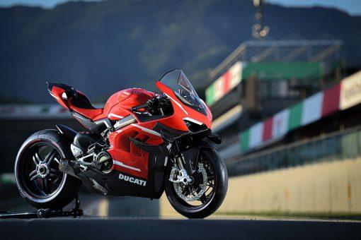2020-Ducati-Superleggera-V4-39