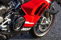 2020-Ducati-Superleggera-V4-41