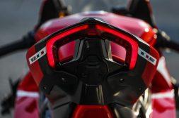 2020-Ducati-Superleggera-V4-46