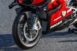 2020-Ducati-Superleggera-V4-50