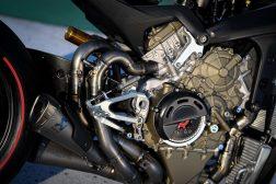 2020-Ducati-Superleggera-V4-60