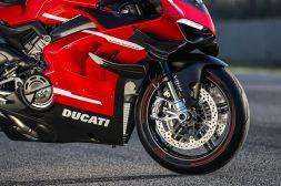 2020-Ducati-Superleggera-V4-68