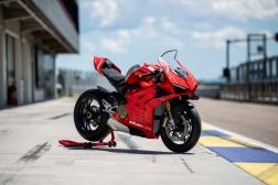 Ducati-Panigale-V4-R-lego-build-26