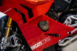 Ducati-Panigale-V4-R-lego-build-29