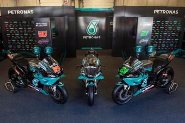 Petronas-Yamaha-YZF-R1-MotoGP-replica-01