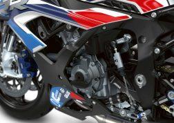 2021-BMW-M1000RR-superbike-46