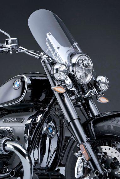 2021-BMW-R18-Classic-37
