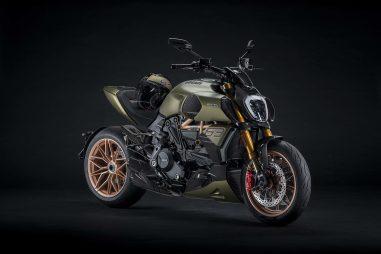 2021-Ducati-Diavel-1260-Lamborghini-12
