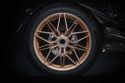 2021-Ducati-Diavel-1260-Lamborghini-15