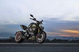 2021-Ducati-Diavel-1260-Lamborghini-52
