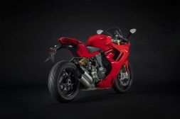 2021-Ducati-SuperSport-950-S-56