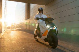 BMW-Motorrad-Definition-CE-04-01