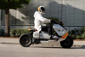BMW-Motorrad-Definition-CE-04-15