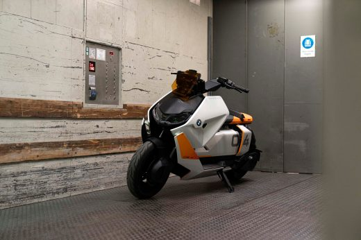 BMW-Motorrad-Definition-CE-04-64
