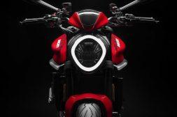2021-Ducati-Monster-Plus-04