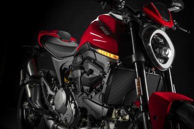 2021-Ducati-Monster-Plus-10