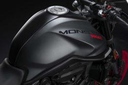 2021-Ducati-Monster-Plus-36