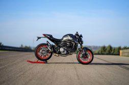 2021-Ducati-Monster-Plus-54