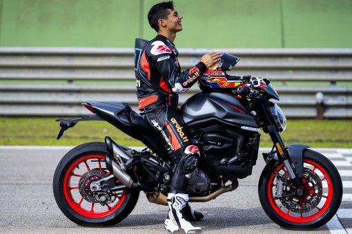 2021-Ducati-Monster-Plus-60