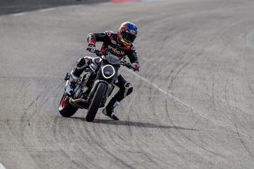 2021-Ducati-Monster-Plus-61