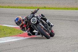 2021-Ducati-Monster-Plus-70