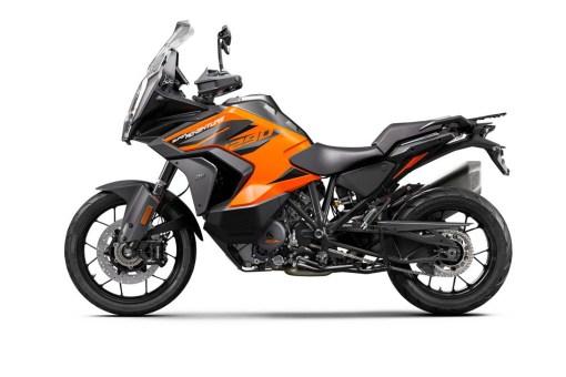2021-KTM-1290-Super-Adventure-S-11