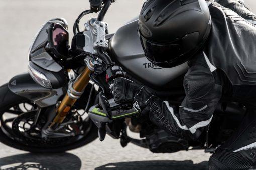 2021-Triumph-Speed-Triple-1200-RS-25