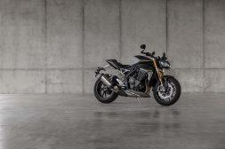 2021-Triumph-Speed-Triple-1200-RS-27